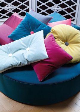 Coussins colorés en velours