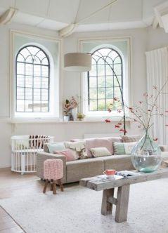 Salon sobre et classique