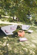 Salon de jardin gris confortable avec pieds en fer
