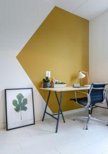 Coin bureau, jaune moutarde